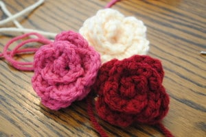 Rosettes Free Pattern on Cre8tion Crochet 011