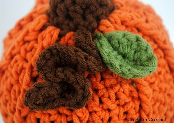 infant pumpkin beanie... super adorable curly q vine and tiny leaf- free pattern