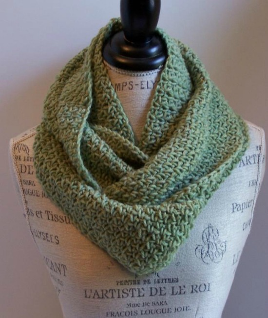 Crochet Find December 04, 2014 Free Infinity Scarf Crochet Pattern