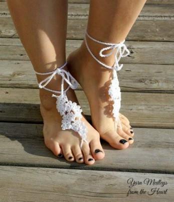 Spring Fan Barefoot Sandals free crochet pattern.