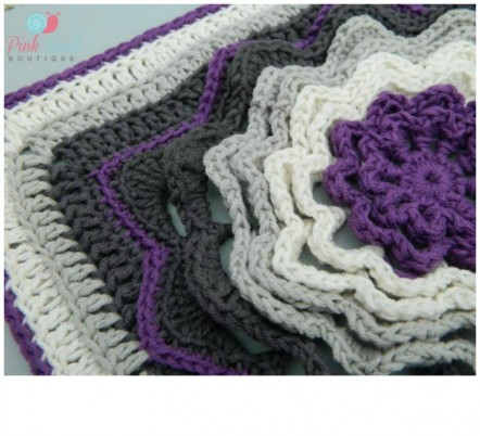 Gorgeous pattern- Spinning Deca-Petal Flower Tile-  free pattern - This would look amazing made into an afghan