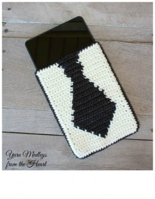 "Are you looking for the perfect Fathers Day gift?  How about this Tie Tablet cover?  It will fit any 7"" tablet."
