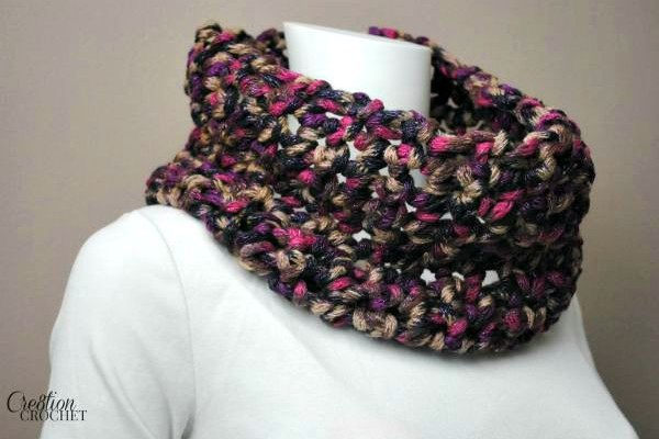Romantic Twilight Free Crochet Cowl Pattern