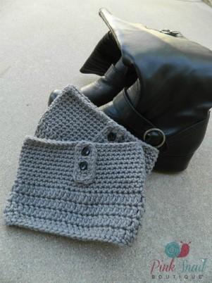 Plus Size Button Free Crochet Boot Cuff Pattern