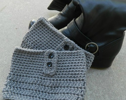 Plus Size Button Free Crochet Boot Cuff Pattern