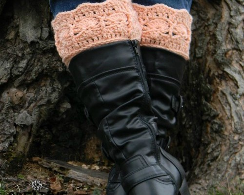 Icy Trellis Free Boot Cuff Pattern