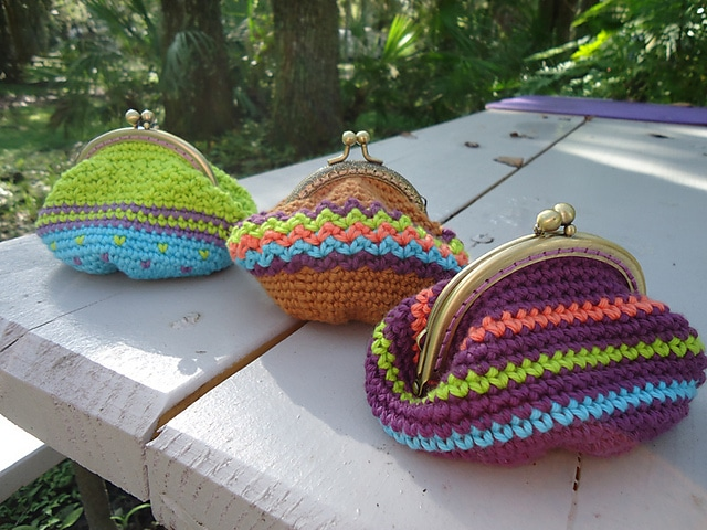 coin purse by just be happy crochet