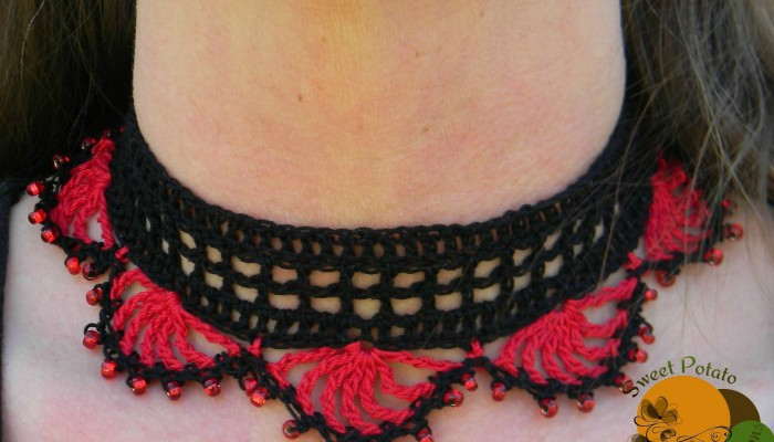 Chic and Lacy Thread Necklace Free Crochet Pattern