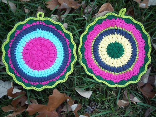 Puffy Scrap Yarn Pot Holder