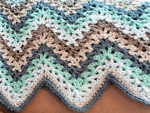 Lacy_Ripple_Afghan_and_Granny_Pillow_Pattern_10_2014-4_medium