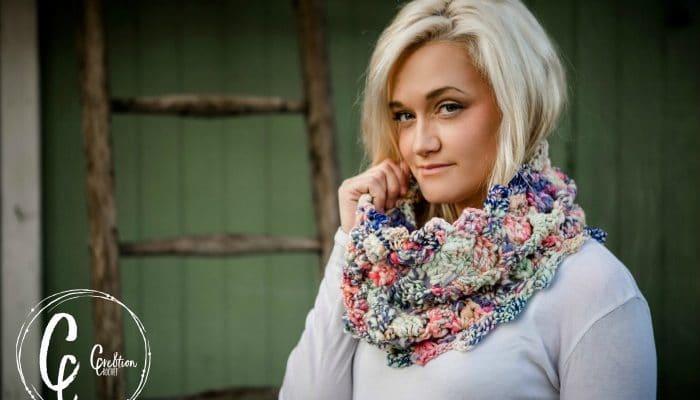 Kaleidoscope Cowl a free crochet pattern